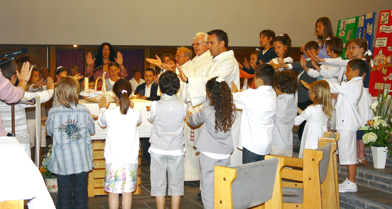 http://www.paroisse-caudan.fr/images/stories/Mouvements/Catechese/2011/Mai_2011/Eucharistie_2.jpg